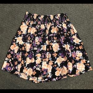 Garage Women's Floral Black Casual Skirt Small